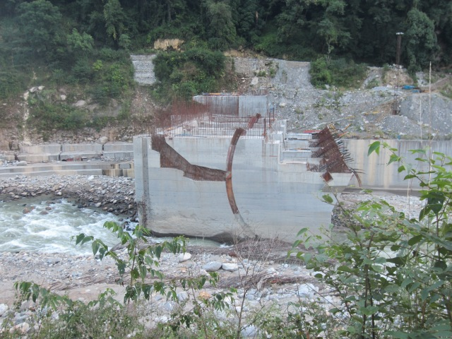 A L&T dam getting constructed at Kund
